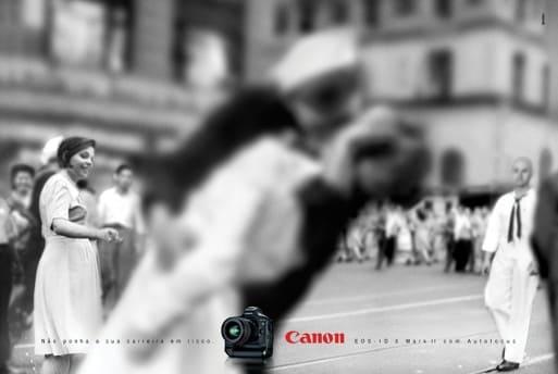"""Cliché retouché par Canon de """"V-J Day in Times Square"""""""